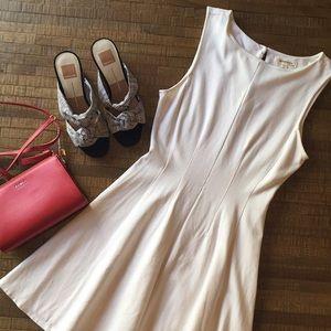 Dresses & Skirts - White classy dress